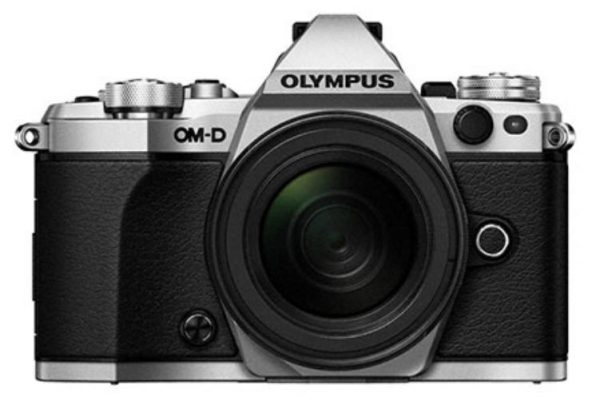 OM-D E-M5 Mark II Weather Proof Kit (EZ-M1250 lens) - Silver Body, Black Lens  -  16.1MP Micro Four Thirds Camera + 12- 50 mm Lens 1