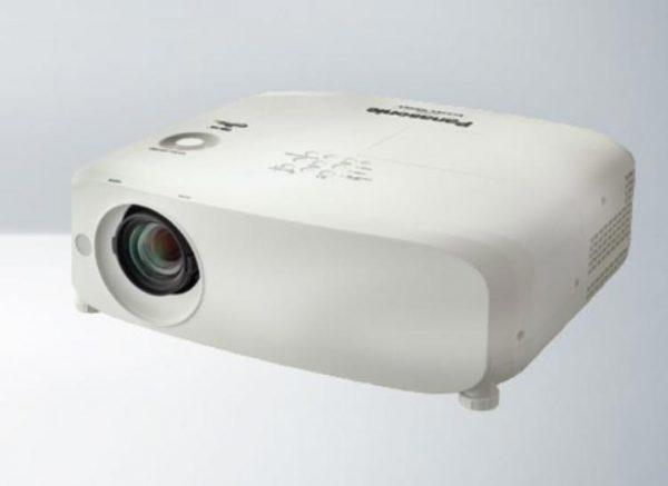 Panasonic PT-VX610 XGA 5000 Lumens LCD Projector 1
